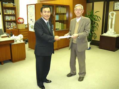 友清会長が意見書を森市長へ提出